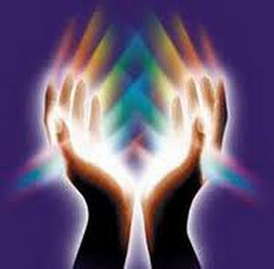 Orgonske piramide-ruke.jpg