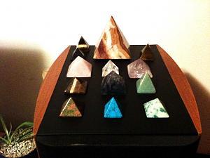 Orgonske piramide-kristali1.jpg