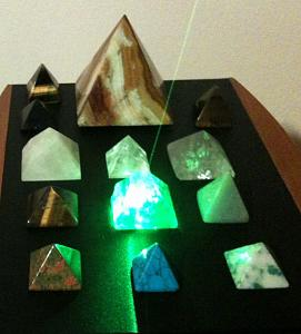 Orgonske piramide-kristali2.jpg