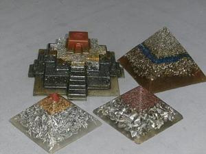 Orgonske piramide-p8221077.jpg